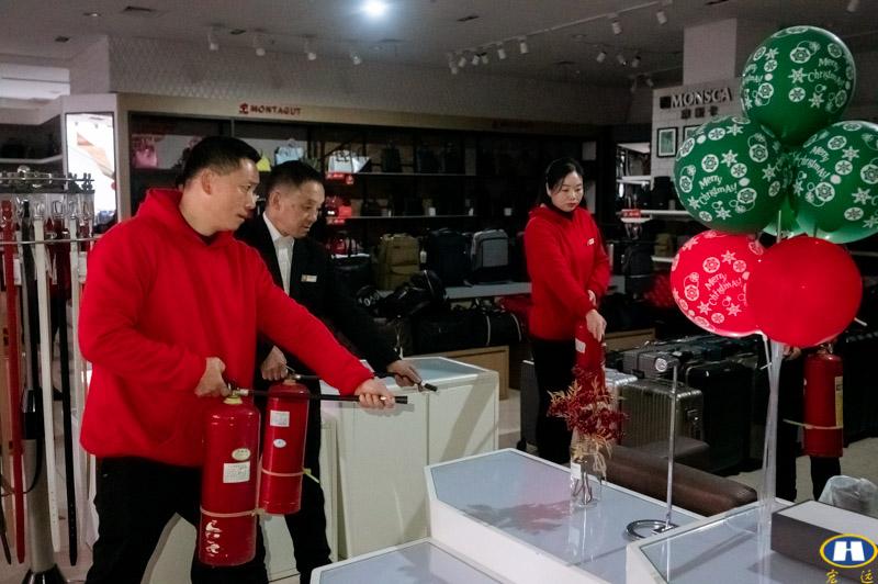 百货盖丽店消防联合演练-2.jpg